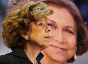 Pilar Urbano, ante una imagen de la Reina durante la presentación de su libro
