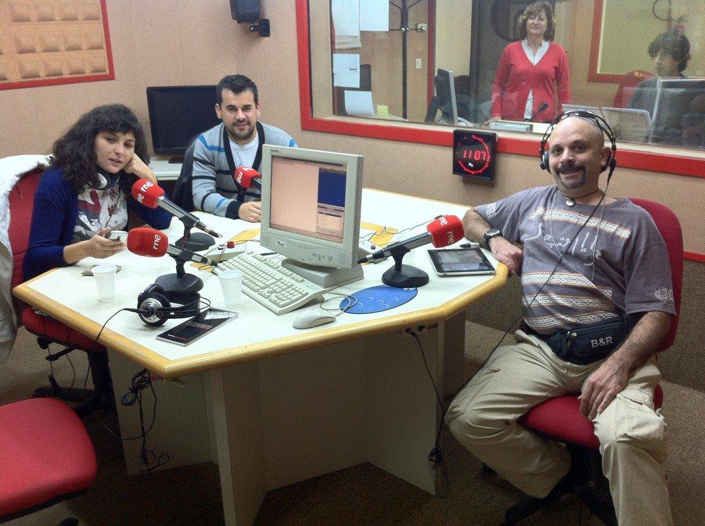 Ana Aldea, Carlos Cuasante y Javier Catania, en RNE Sevilla
